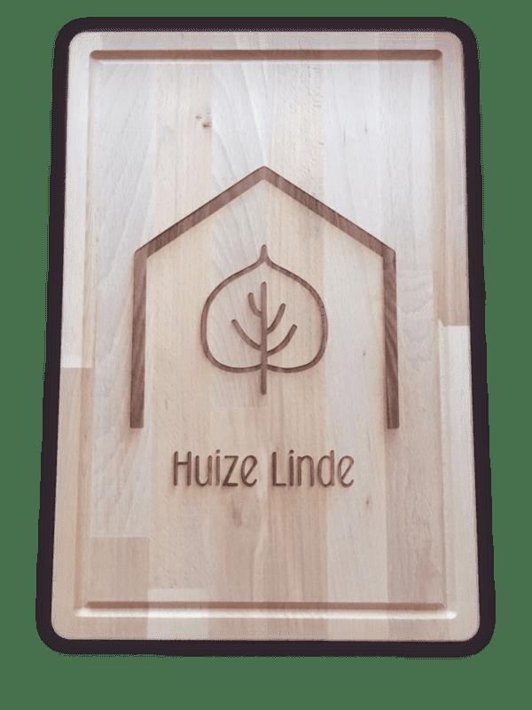 houten plank met gravure