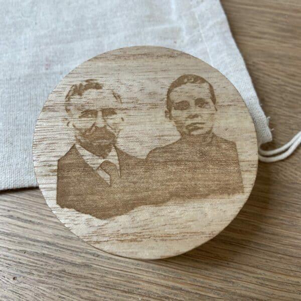 lasergravure foto op hout